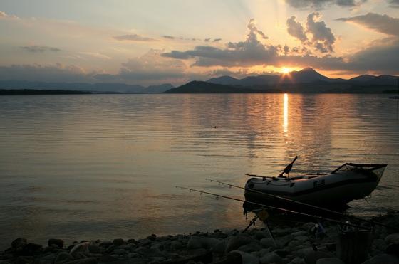 Západ slunce na Liptovské Maře