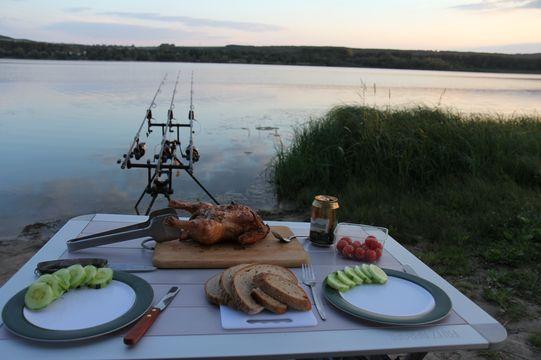 Večeře při západu slunce