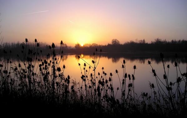 Krajina při západu slunce je opravdu okouzlující