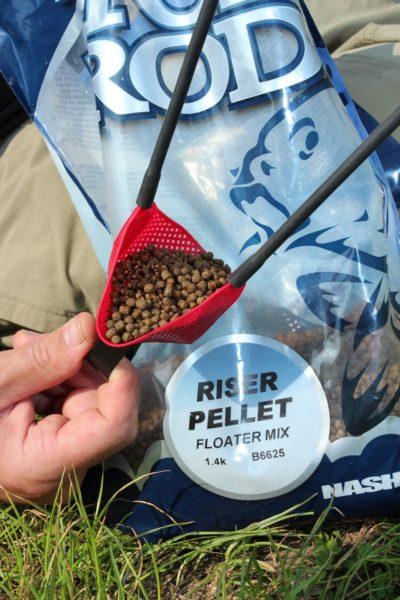 Riser pelety nalákají ryby k hladině