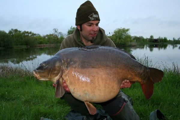 Yoris Walters z Belgie na jezeře Church s úlovkem o váze 24,7 kg