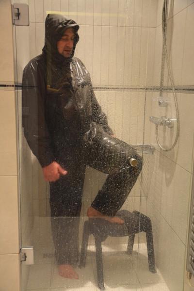 Sprchuji i nohy