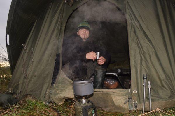 Dny a noci jsou v tuto dobu velice chladné. Na delší výpravy mně nechybí pořádný bivak.