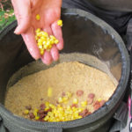 Sladká kukuřice je klasika - zrna s nálevem promíchejte se základním mixem