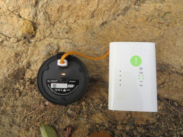K nabíjení sondy v terénu můžete použít i libovolnou powerbanku
