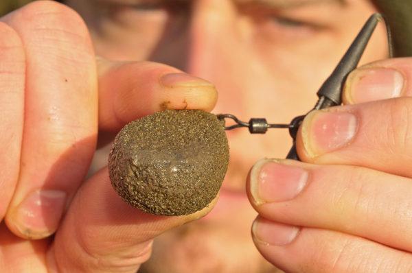"""Texturovaná olova mohou ze dna """"vyzvednout"""" sediment či bahno, tato informace nám poslouží při lovu jako výhoda"""