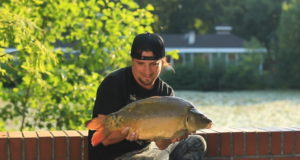 Video: Lov kaprů ve městě - Matiční jezero (Pardubice)